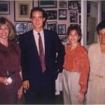 José Daniel Barquero con amigos y colegas en casa del Dr. Bernays